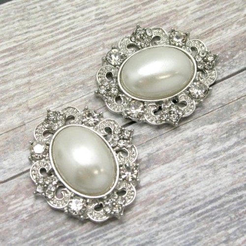 Oval Pearl and Diamante Cluster for Invitations