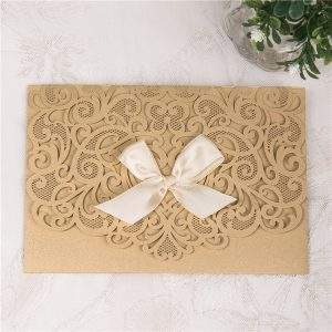 LASINV30 Gold heart lasercut invitation